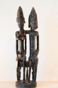 פסל הזוג הקדמוני דוגון